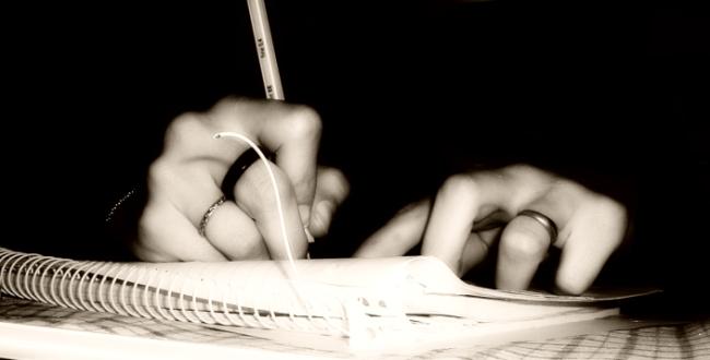 Working hands (photo by madamepsychosis on flickr) | www.flickr.com/photos/belljar